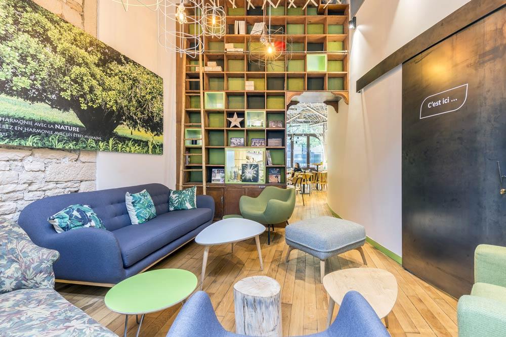 Aménagement d'un café par un architecte d'intérieur