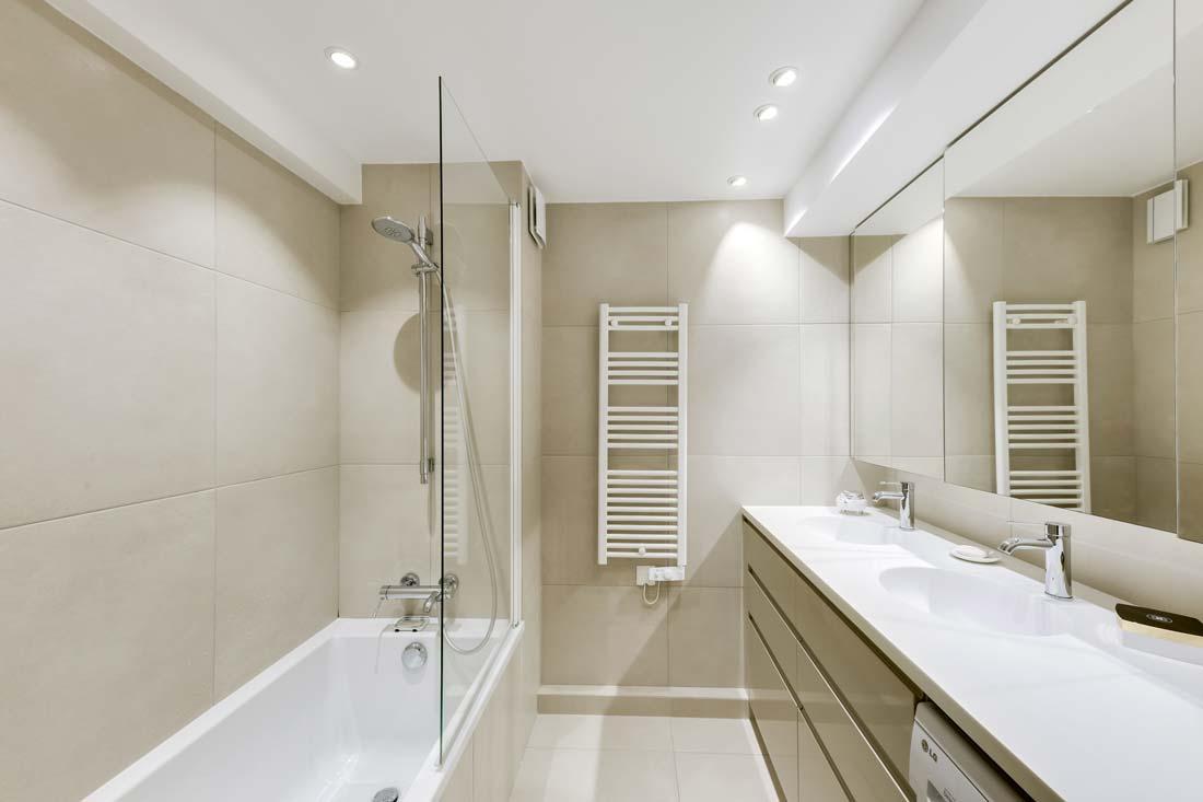Rénovation d'une salle de bain par un architecte d'intérieur rville