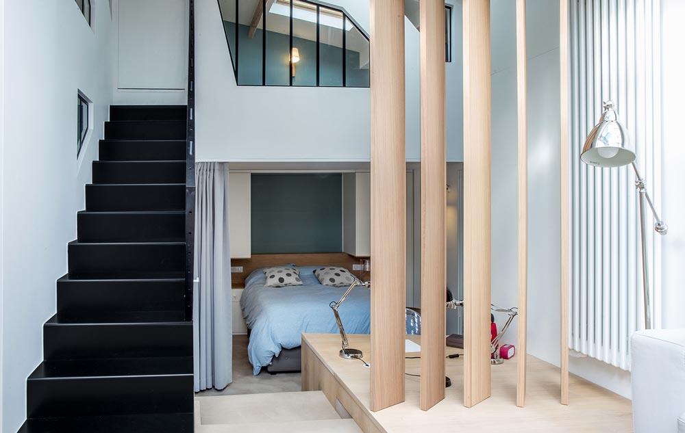 Architecture d'intérieur d'une chambre dans un loft