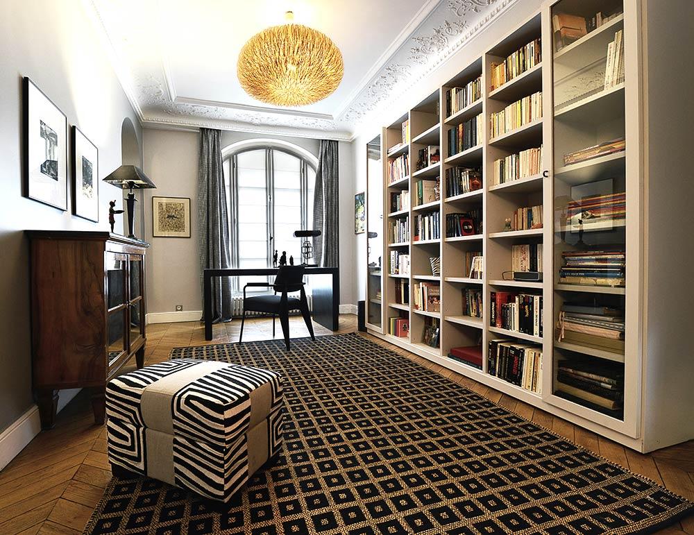 Réalisation d'une bibliothéque sur-mesure de 6 metres de long dans un appartement haussmannien