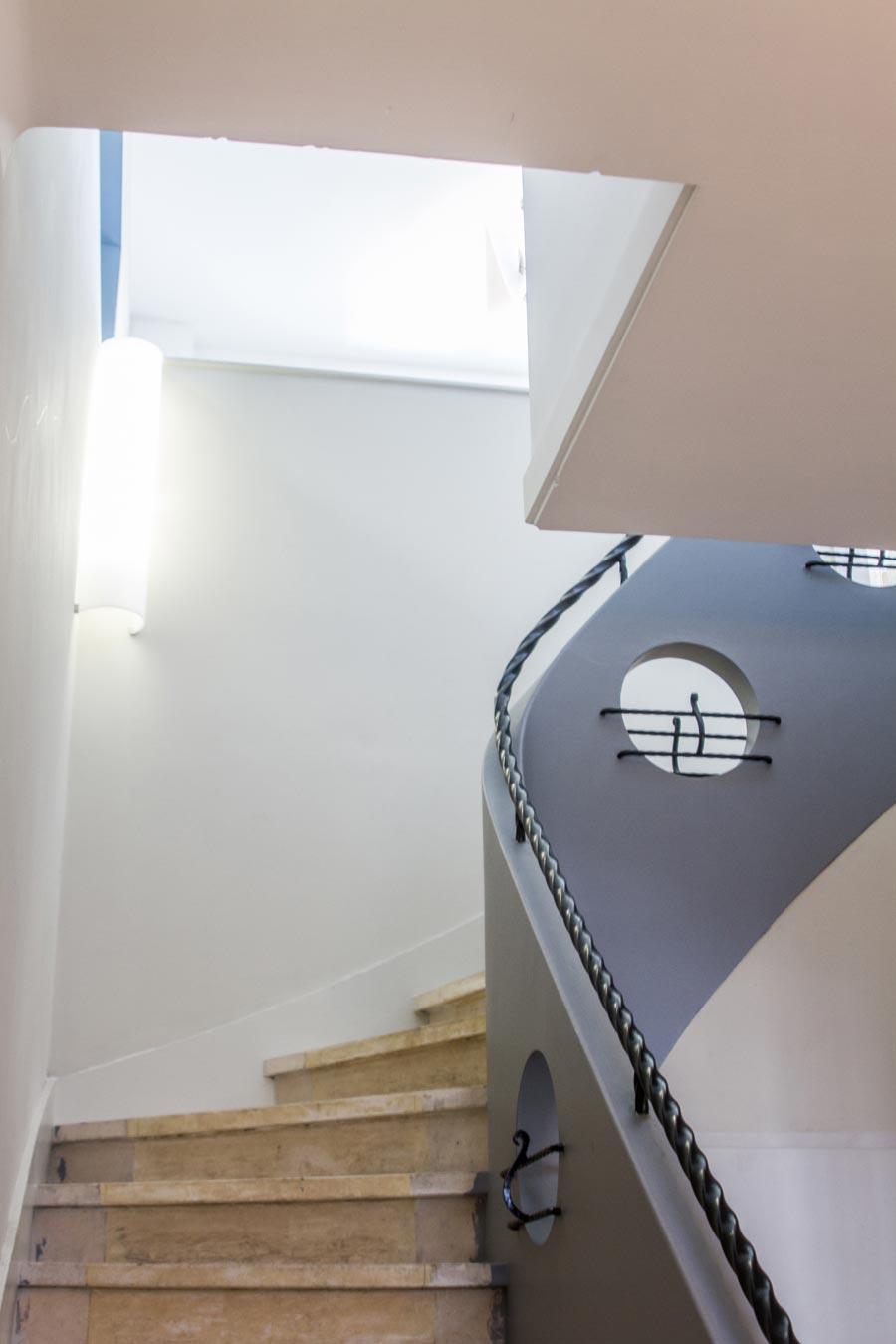 L'escalioer créé dans l'extension de la maison de ville